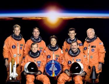 STS-95 CREW PORTRAIT: SEATED L/R: LINDSEY, STEVE; MUKAI, CHIAKI; BROWN, CURT. STANDING L/R: PARAZYNSKI, SCOTT; ROBINSON, STEPHEN; DUQUE, PEDRO; GLENN, JOHN