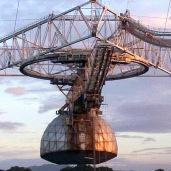 Vista de la plataforma de instrumentos que se encuentra a 150 metros de altura sobre el plato reflector del radiotelescopio
