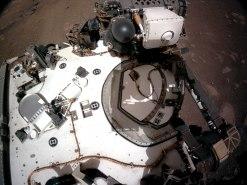 Vista de la cámara de navegación de la cubierta Rover de Perseverance